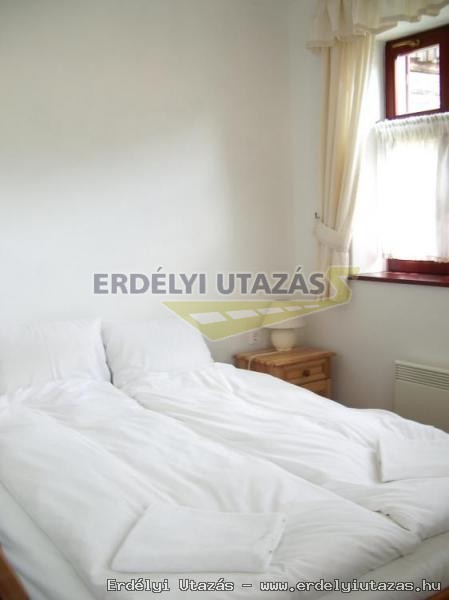 Erdély Guesthouse (8)