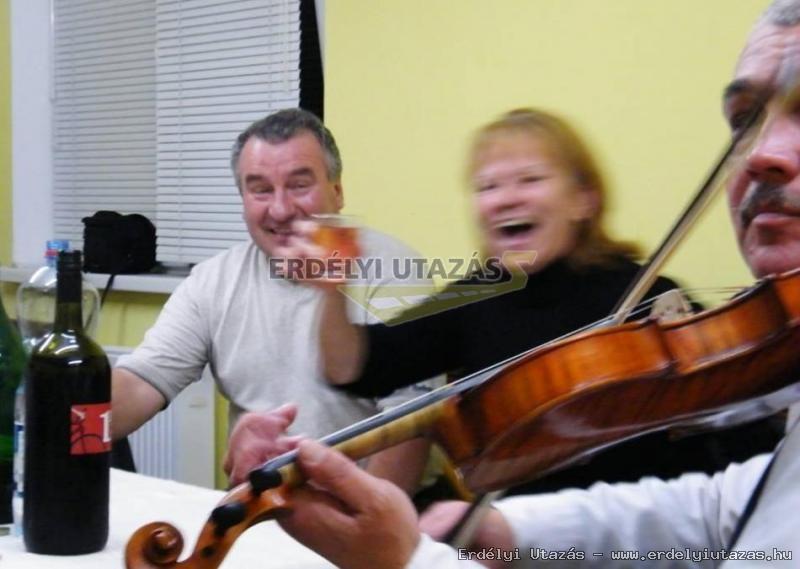 Ren�ta Panzi�*** (59)