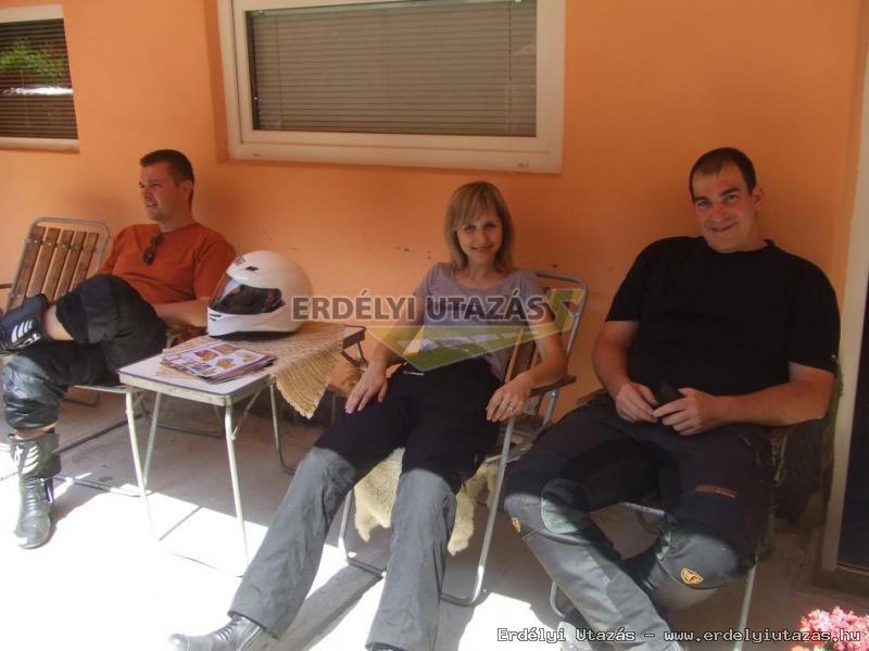 Ren�ta Panzi�*** (55)